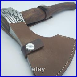 Carbon steel ax Epona, Opplav, Nordic goddess of the earth. Ax for use of one hand, light and very resistant. Natural walnut wood.