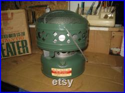 Vintage 1970 Coleman Catalytic Heater 3000-5000 BTU Green 513-700 with original Box